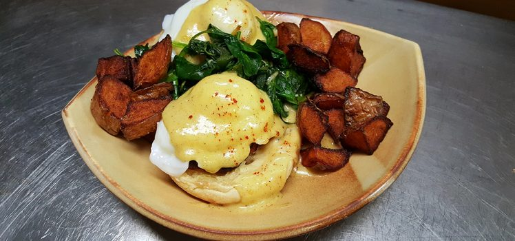 friday-harbor-house-san-juan-islands-eggs-benedict