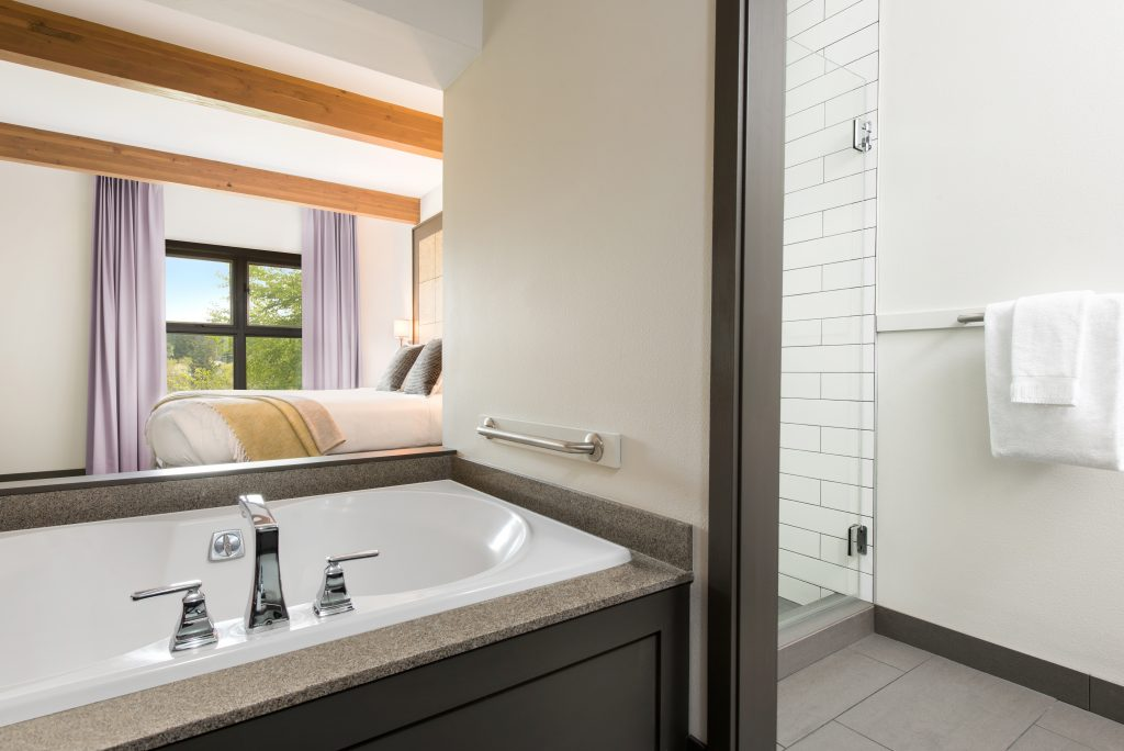 friday-harbor-house-san-juan-islands-guestroom-suitec